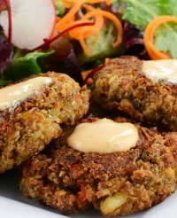 Crab Cakes with Garlic Lemon Aioli